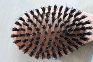 Remos Wildschweinborstenbürste aus Birnbaumholz